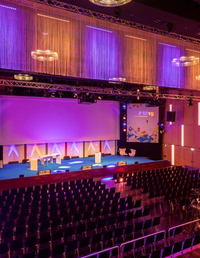 Halle, Licht, design, messe, event, licht, ton, led, video, bühne, eventtechnik, gleich, messebau, karlsruhe, dry, hire,